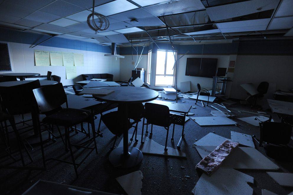 Earthquake damaged classroom at Houston Middle School on Monday, Dec. 3. 2018. (Bill Roth / ADN)