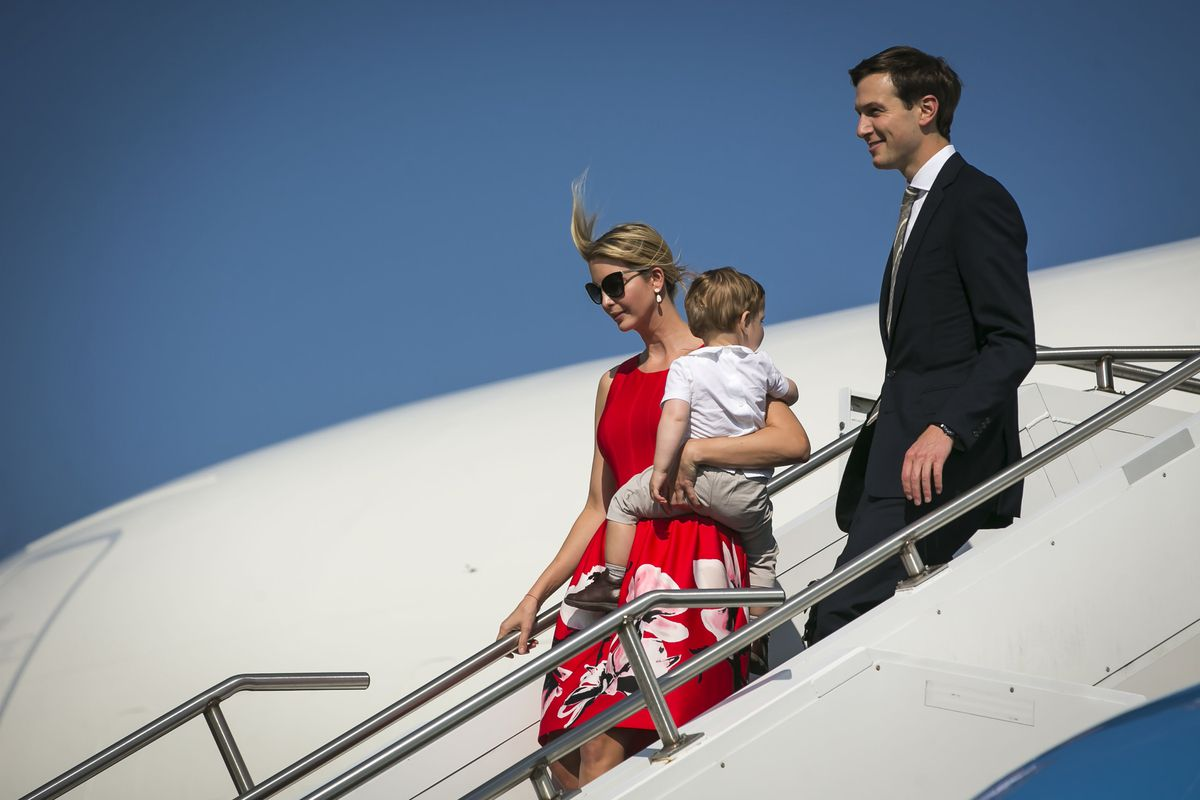 FILE — Ivanka Trump carries her son Theodore as she and Jared Kushner arrive on Air Force One at Morristown Municipal Airport in Morristown, N.J., Aug. 4, 2017. With his ouster from the White House, Steve Bannon will head back to Breitbart News, where he plans to wage war on the enemies of his nativist vision, including Kushner and Trump. (Al Drago/The New York Times)