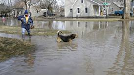 Hundreds of homes flood as Missouri River breaches levees