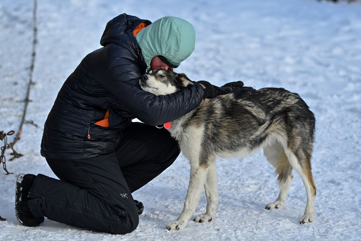 Sable gets a hug from Paige Drobny. (Marc Lester / ADN)