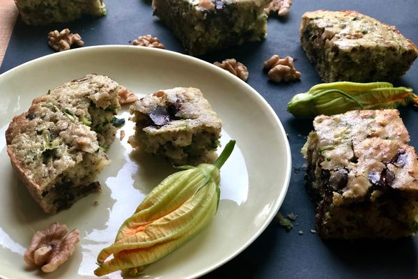 Zucchini chocolate chip snacking cake (Photo by Kim Sunée)