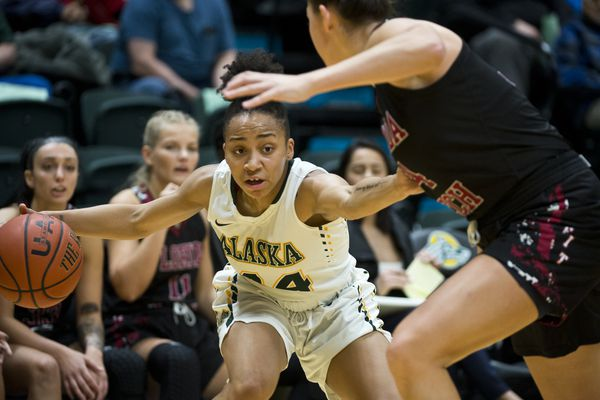 UAA's Sydni Stallworth looks for a opening. UAA beat Florida Tech in women's basketball at the Alaska Airlines Center on November 23, 2018. (Marc Lester / ADN)