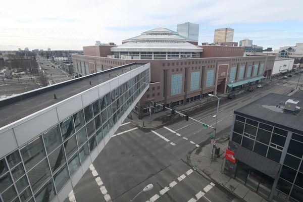 Streets surrounding the Fifth Avenue Mall in downtown Anchorage were relatively quite on Tuesday morning, April 14, 2020, under the 'hunker down' order during the COVID-19 pandemic. (Bill Roth / ADN)