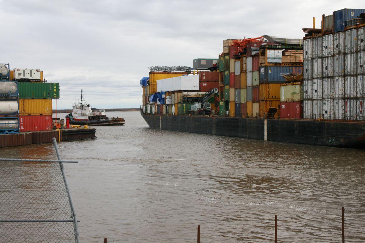 The last Alaska Marine Lines ocean-going barge of the year for Bethel, Alaska, lands Sept. 27, 2016, at the city dock. (Lisa Demer / ADN)