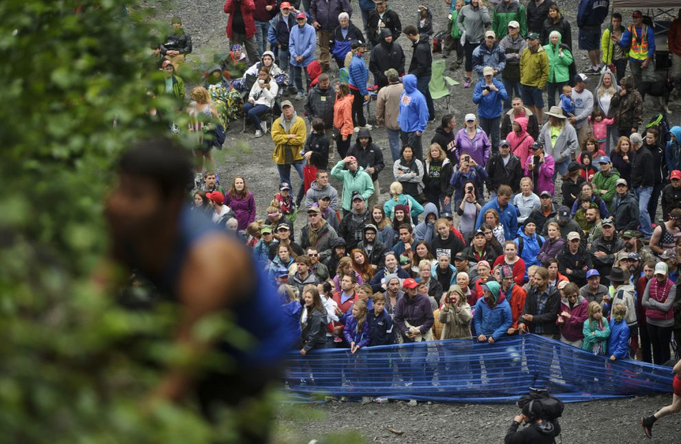 A crowd gathers at the base of Mount Marathon for the 2015 race. (Marc Lester / ADN archive)
