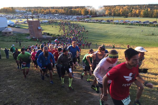 The Equinox Marathon field starts the race from the Patty Center at UAF on Saturday. (Photo by Mary Steiert)