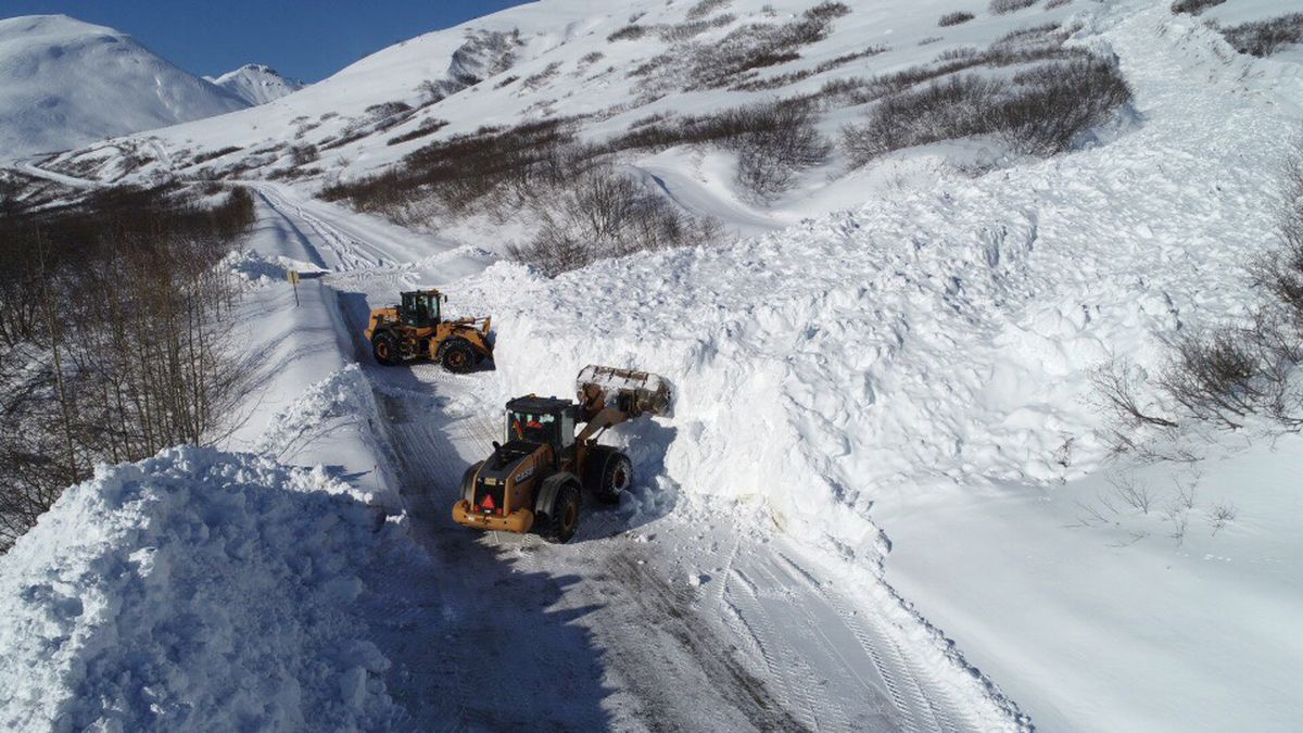 AK DOT crews clear an avalanche off the road to Hatcher Pass, Wednesday, March 21, 2018. (Photo provided by AK DOT)