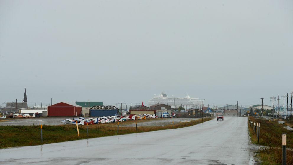 The Crystal Serenity cruise ship stops in Nome on Sunday, Aug. 21, 2016. (Bob Hallinen / Alaska Dispatch News)