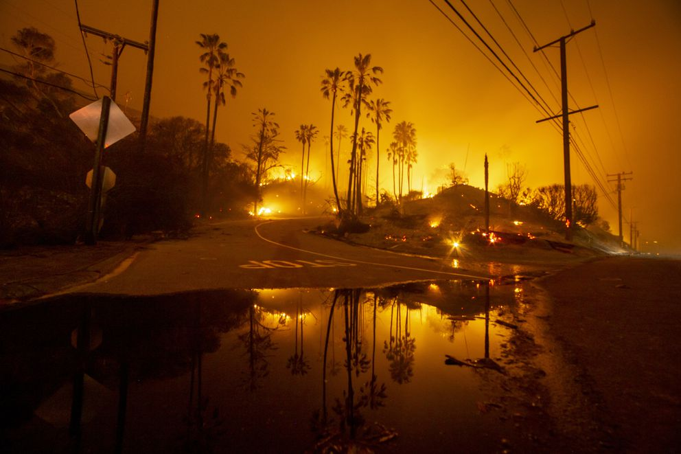 The Woolsey Fire burns above Malibu, Calif., on Nov. 10. MUST CREDIT: Photo for The Washington Post by Kyle Grillot