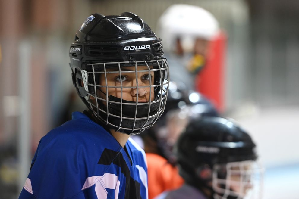 Tavian Mukaabya, 12, prepares for a line shift. (Bill Roth / ADN)