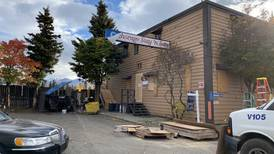 After dangerous code violations, Anchorage hotel abruptly shuts, leaving guests on the street