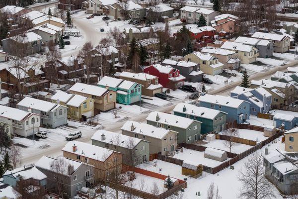Homes near Baxter Bog on Wednesday, Jan. 23, 2019. (Loren Holmes / ADN)