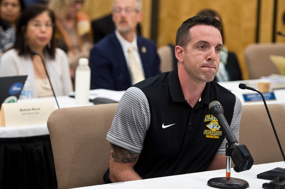 Ryan McCarthy, head coach of the UAA women's basketball team, gives comments. (Marc Lester / ADN)