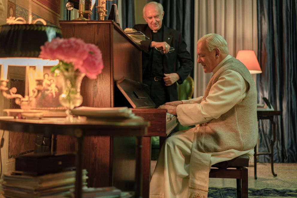 Jonathan Pryce, left, and Anthony Hopkins star in 'The Two Popes. ' (Peter Mountain / Netflix)