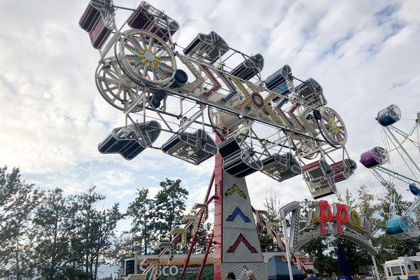 The Zipper ride at the Alaska State Fair, Aug. 31, 2018. (Julia O'Malley / ADN)