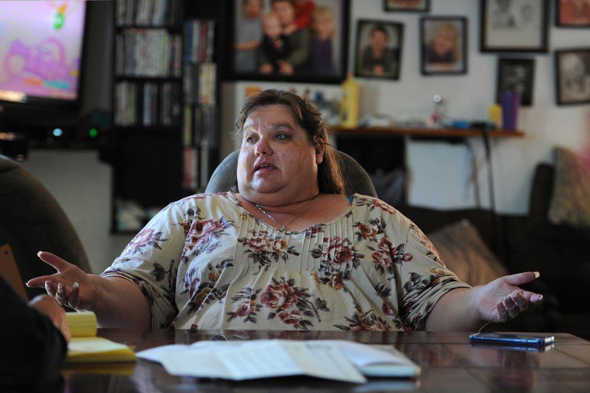 Barbara Ross at her Anchorage home, May 2017. (Bill Roth / Alaska Dispatch News)