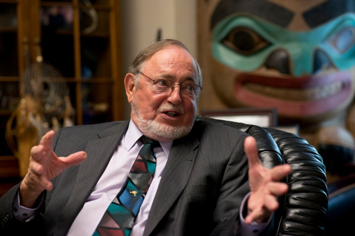 Rep. Don Young in his Washington D.C. office in 2015. (Marc Lester / ADN)