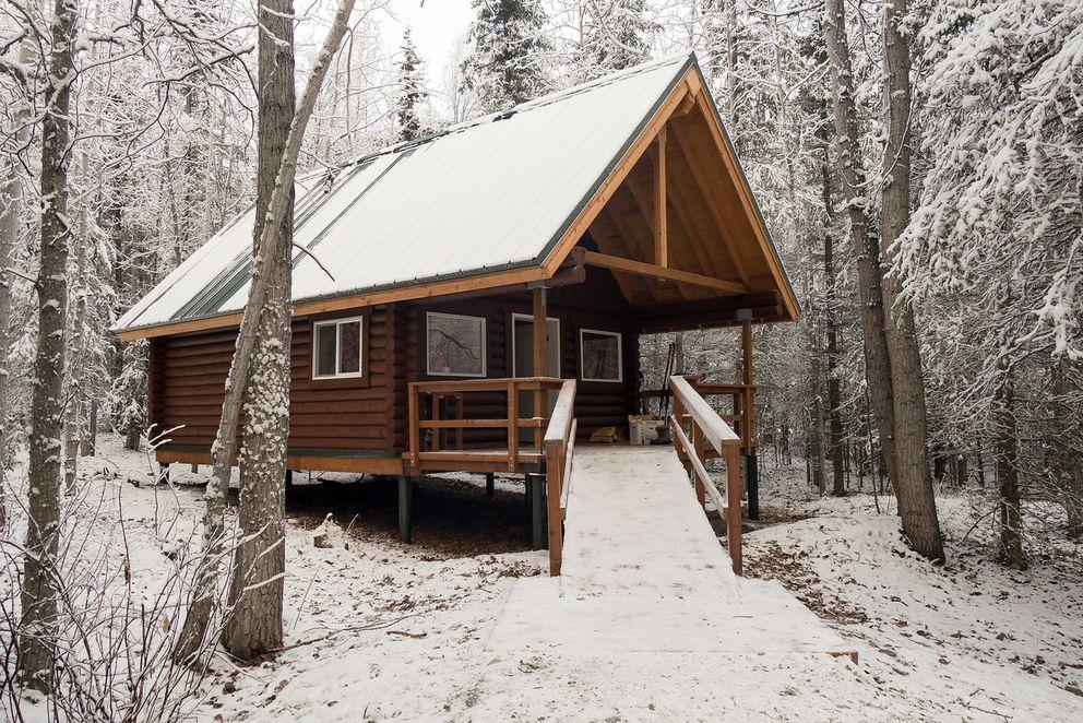 Dolly Varden cabin along Eklutna Lake in November 2017. (Photo by Erik Helland)