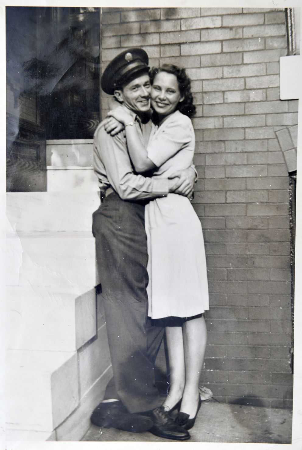 Gladys and Bob Ament in 1946 after he returned from the war. (Photo for The Washington Post by Doug Kapustin)
