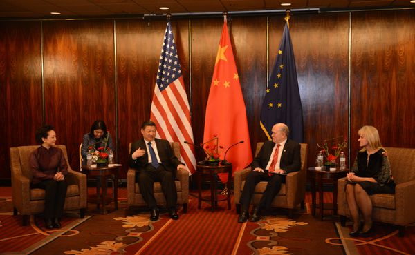 Peng Liyan, First Lady of China, Xi Jinping, President of China, Alaska Governor Bill Walker and Alaska first lady Donna Walker meet at the Hotel Captain Cook on Friday, April 7, 2017. The president of China stopped over in Anchorage after meeting with President Trump at Mar-a-Lago. (Bob Hallinen / Alaska Dispatch News)