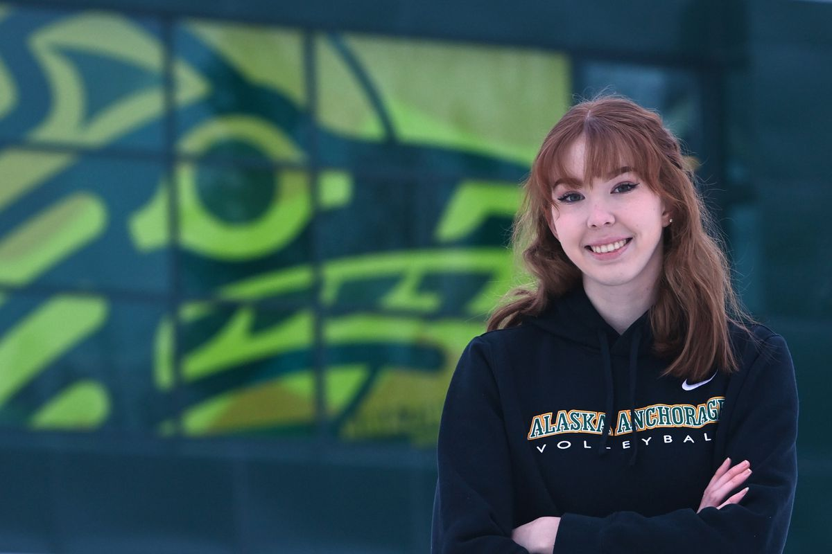 UAA volleyball player Sara Moore graduated early from Chugiak High School, at semester break, so she could enroll at UAA and join the team this spring. Photographed on Tuesday, Feb. 2, 2021. (Bill Roth / ADN)