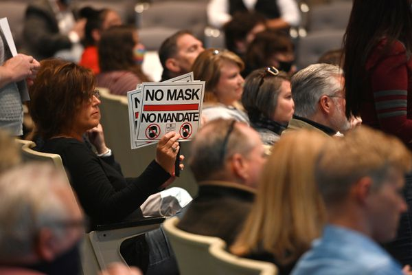 People opposed to a mask mandate attended the Anchorage Assembly meeting on Tuesday, June 23, 2020. (Bill Roth / ADN)