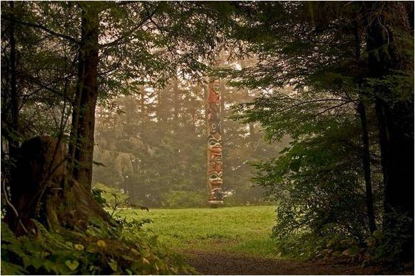 The K'alyaan Pole commemorates the pivotal Battle of 1804. It stands in the Sitka National Historic Park. (National Park Service photo)