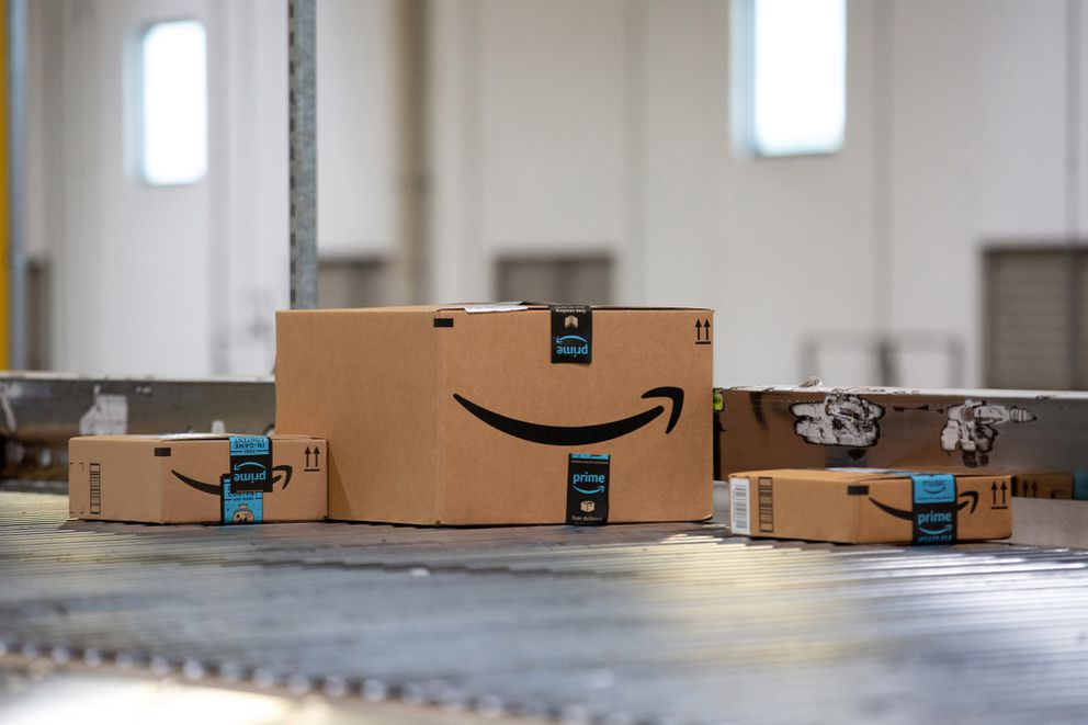 Conveyor belt in an Amazon warehouse. (Bloomberg photo by Bess Adler)