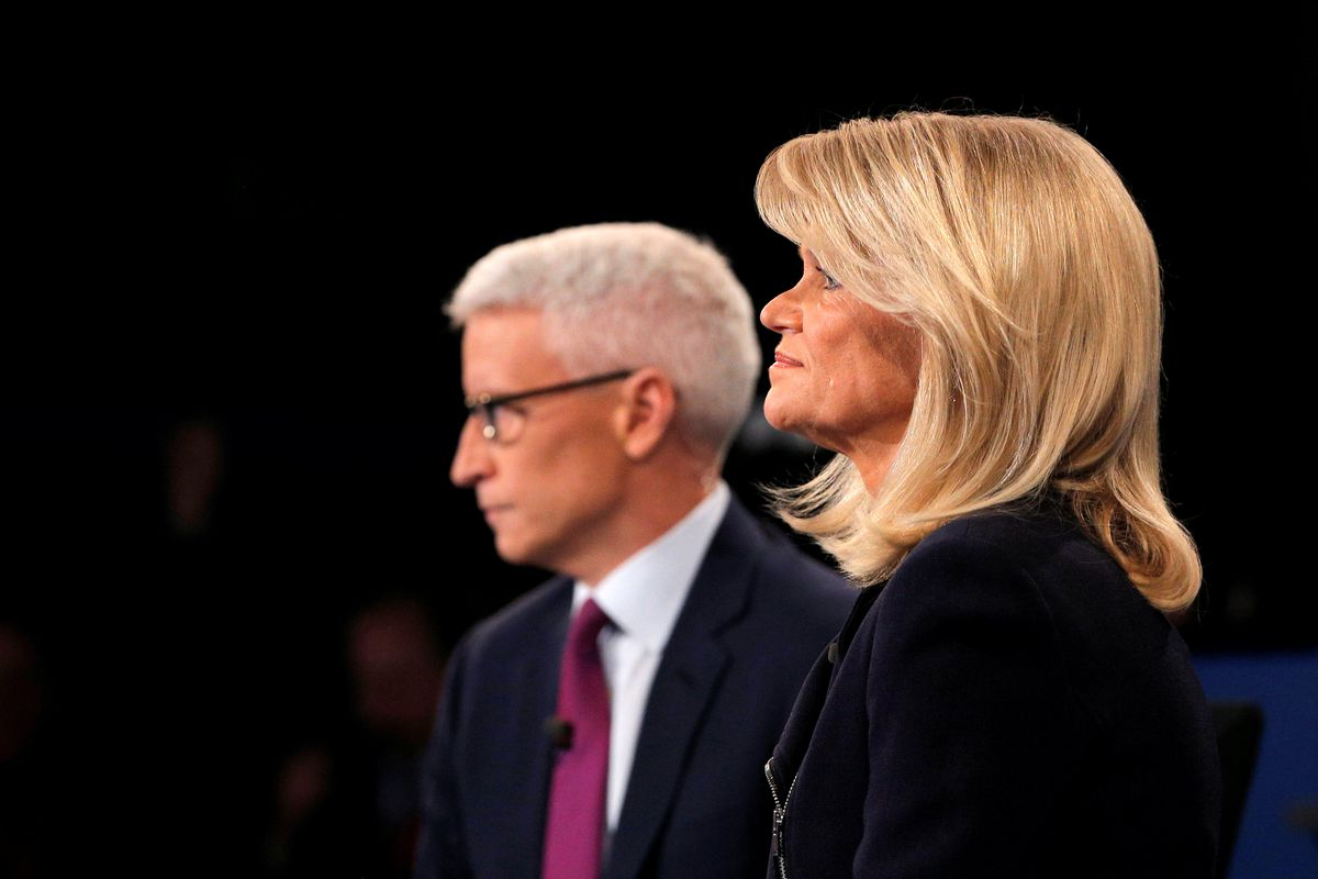 Journalists Anderson Cooper and Martha Raddatz prepare to moderate the presidential town hall debate between U.S. Democratic presidential nominee Hillary Clinton and U.S. Republican presidential nominee Donald Trump at Washington University in St. Louis, Missouri, U.S. October 9, 2016. (Brian Snyder / Reuters)