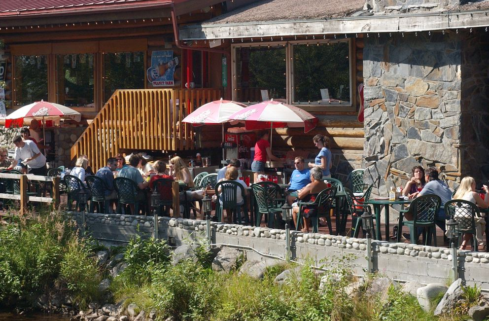 The outdoor deck at the Peanut Farm.  (Marc Lester/ADN archive 2003)