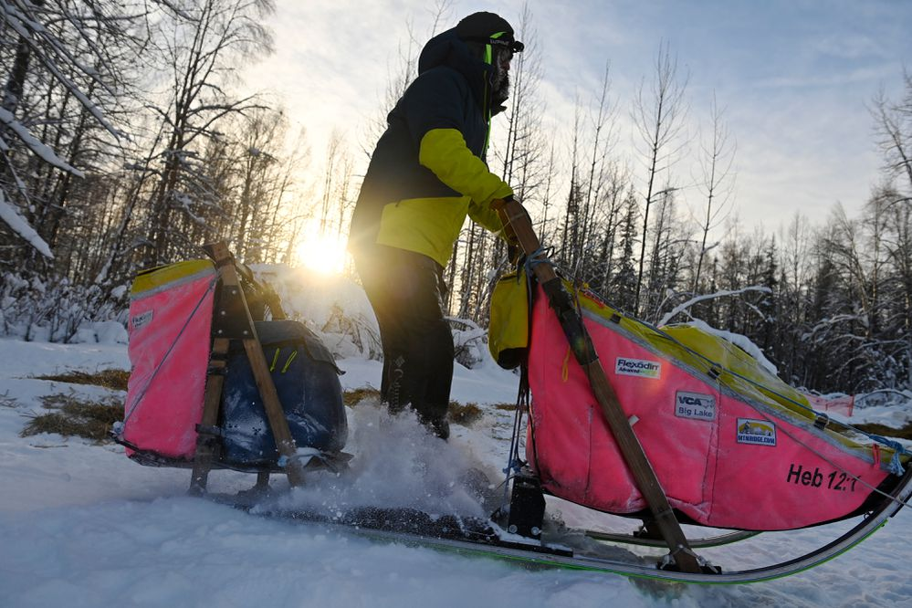 Musher Wade Marrs pulls away from the Sheep Creek Lodge checkpoint of the Willow 300 sled dog race on February 5, 2021. (Photo by Marc Lester)
