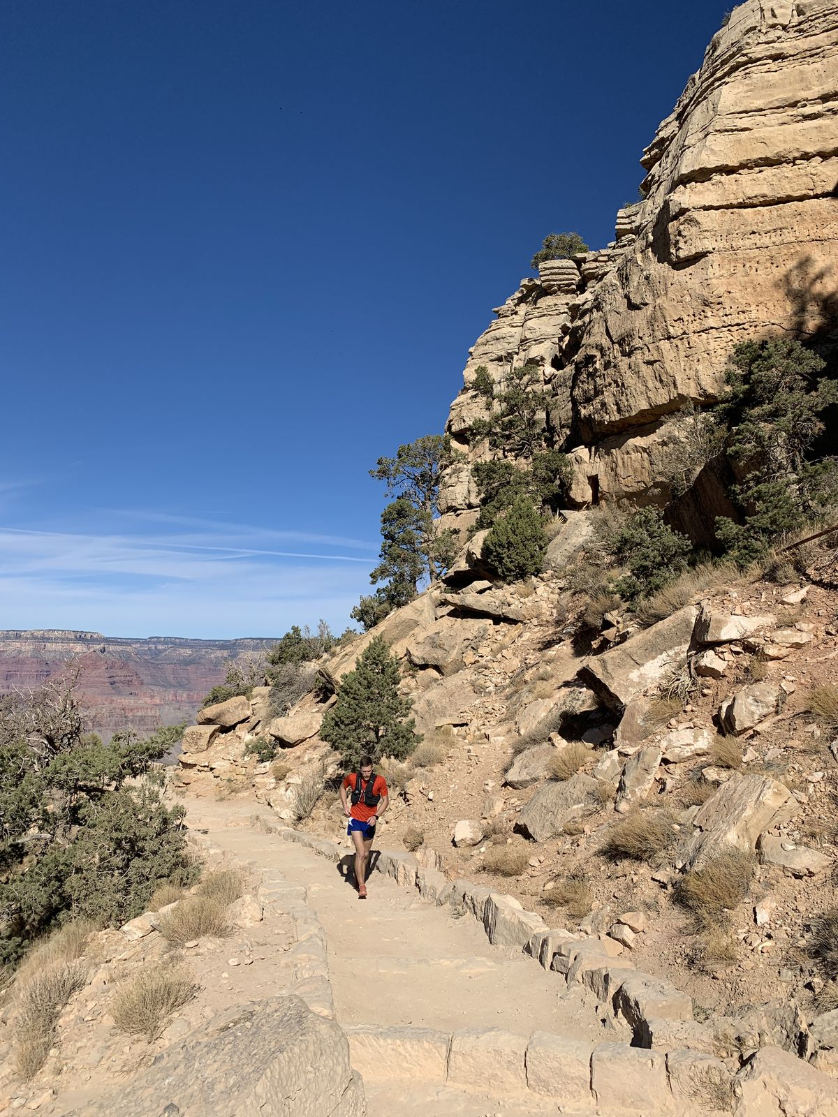 Anchorage runner Lars Arneson nears the top of the Grand Canyon's South Kaibab Trailhead as he approaches the end of his record-setting Rim to Rim to Rim run on Friday, Nov. 20, 2020. (Photo by Anna Dalton)
