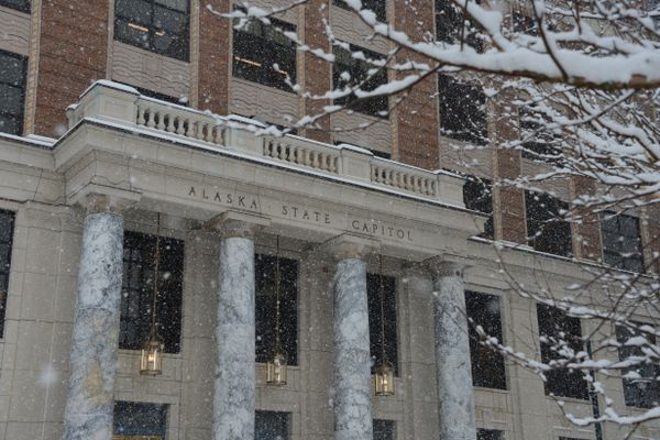Snow falls on Monday, March 15, 2021 at the Alaska State Capitol in Juneau. (James Brooks / ADN)