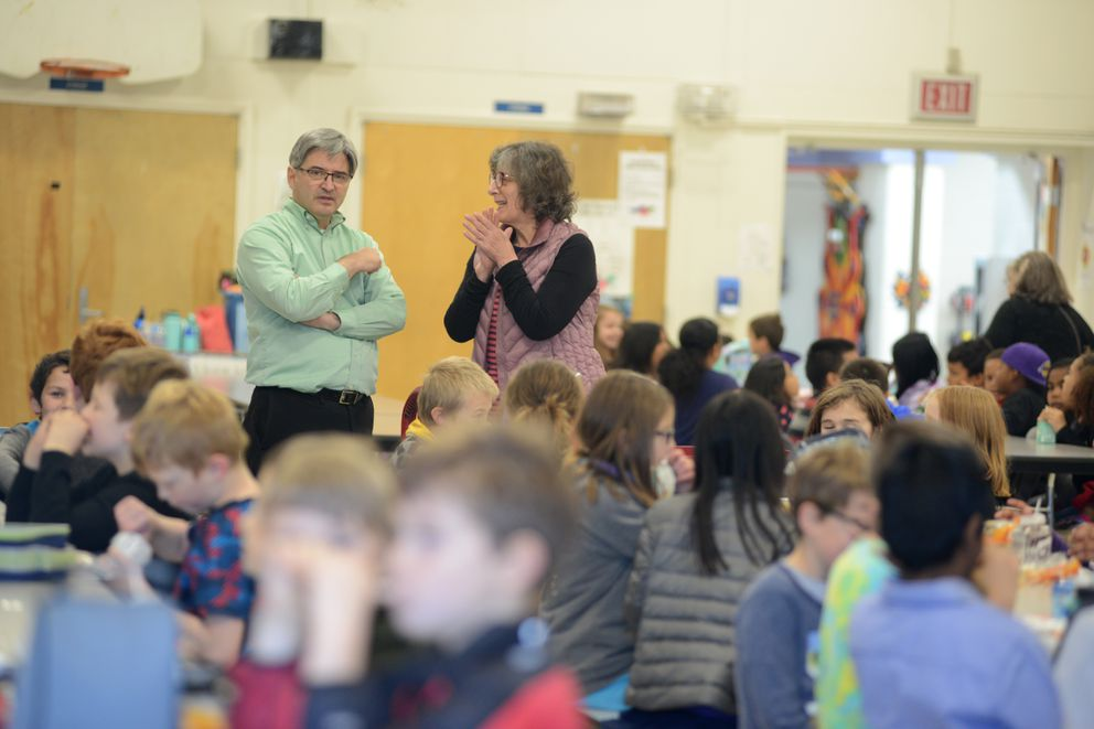 Rogers Park Elementary School teachers Lance Smith, left, and Lisa Zeuli have a chance to talk while with their students eat in the cafeteria for lunch on Thursday, Sept. 26, 2019. (Anne Raup / ADN)