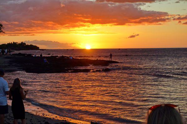 Sunset at the Lava Lava Beach Club near near Hilton Waikoloa Village on the Big Island of Hawaii. (Photo by Scott McMurren)
