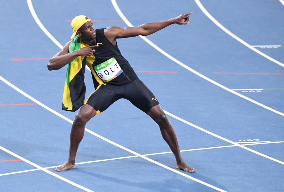 Usain Bolt runs into history with 3rd consecutive 100 ...