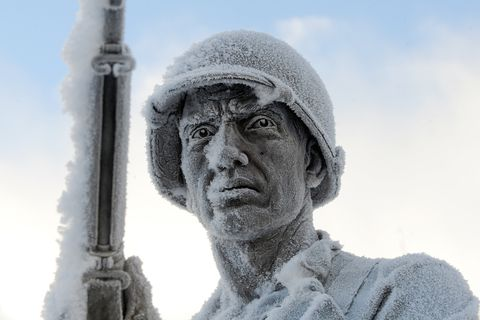 Frost covers Statue of a soldier at the Anchorage Veteran's Memorial on Park Strip in Anchorage, Alaska on Thursday, Dec. 28, 2017. (Bob Hallinen / ADN)