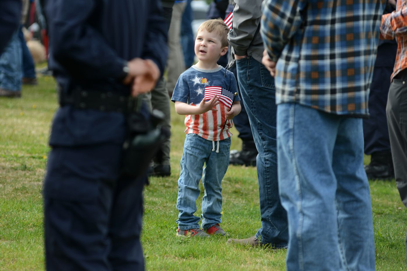 Elijah Oudin, 5, looks around the crowd during the Memorial Day ceremony. (Anne Raup / ADN)