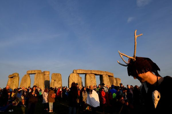 Revellers welcome in the Summer Solstice at Stonehenge stone circle in southwest Britain, June 21, 2018. REUTERS/Toby Melville