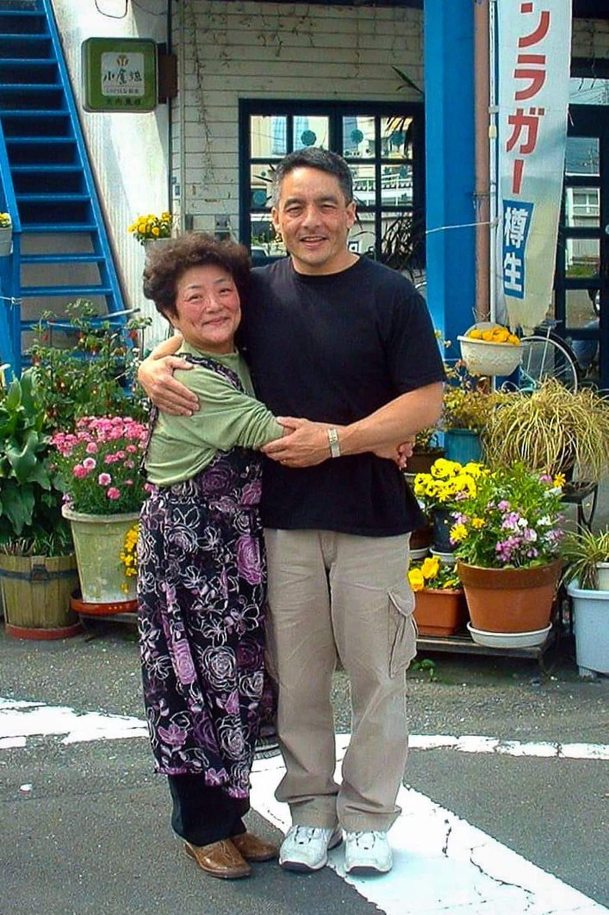 Bruce Hollywood with his mother, Nobue Ouchi. (Courtesy of Bruce Hollywood)