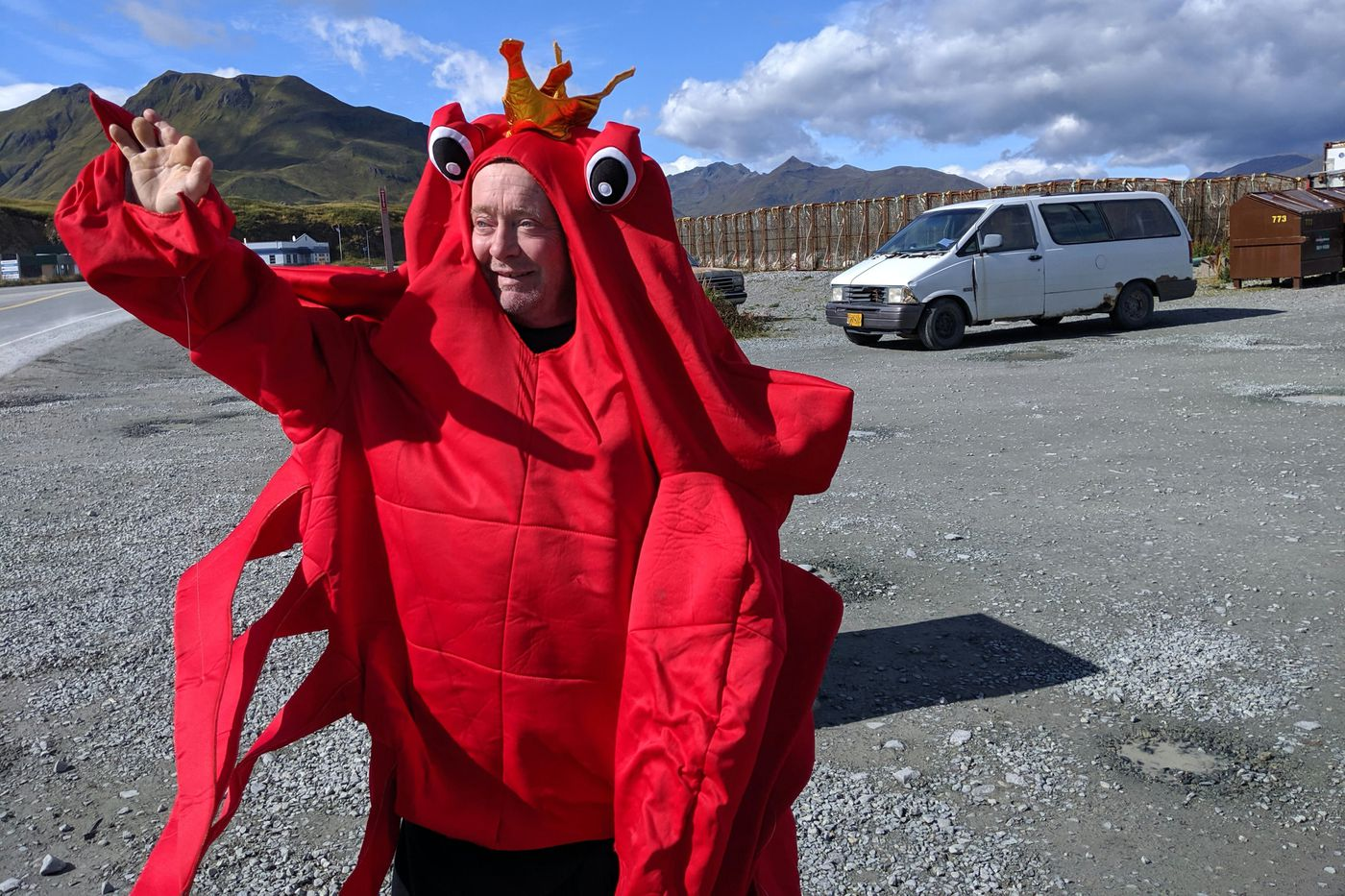 Kelly Eleam lures cruise ship tourists to a crab feed at the Norwegian Rat Saloon, Sept. 14, 2019. (Michelle Theriault Boots / ADN)