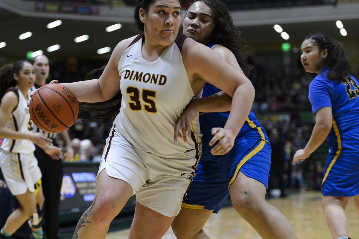 Dimond's Alissa Pili heads to the hoop in the 4A state championship basketball game on March 23, 2019. Dimond beat Bartlett 62-57. (Marc Lester / ADN)