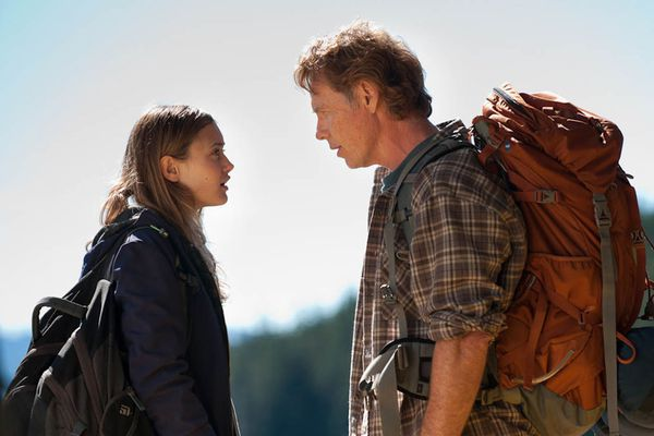 Ella Purnell and Bruce Greenwood in