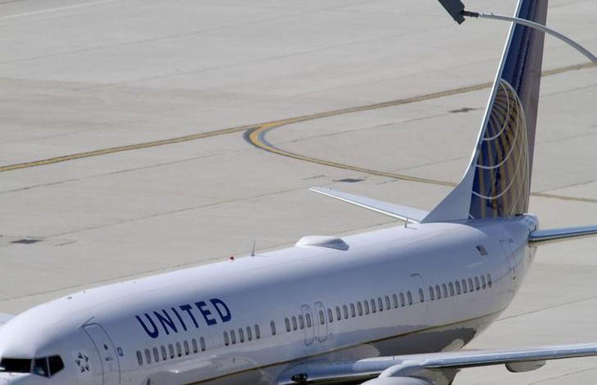 A United Airlines jet at a gate at O'Hare International airport in Chicago. REUTERS/Frank Polich/File