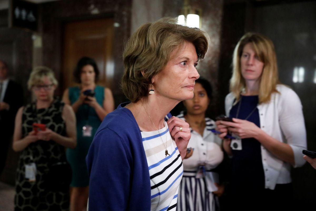 Alaska Sen. Lisa Murkowski arrives for a meeting about the Republican healthcare bill on Capitol Hill in Washington, D.C., July 19, 2017. (REUTERS/Aaron P. Bernstein)