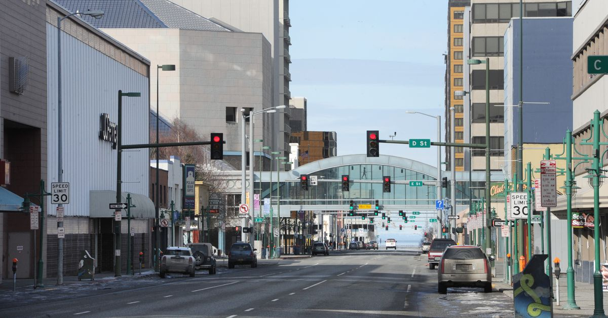 Fifth Avenue in downtown Anchorage. (Bill Roth / ADN file)