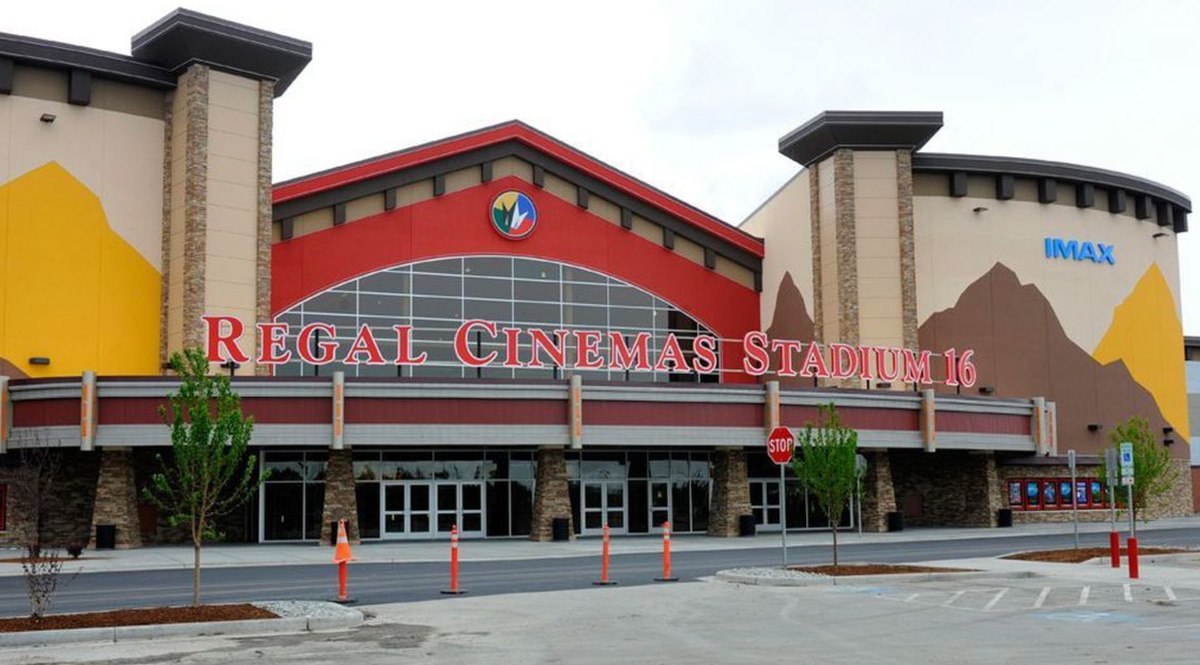 The Regal Cinemas Stadium 16 at Tikahtnu Commons off North Muldoon Road in Anchorage. (ADN archive)