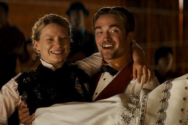 Mia Wasikowska and Robert Pattinson star in