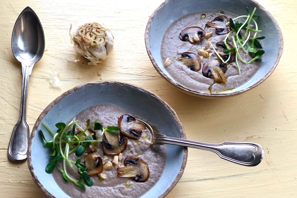 Roasted garlic mushroom soup (Photo by Kim Sunée)