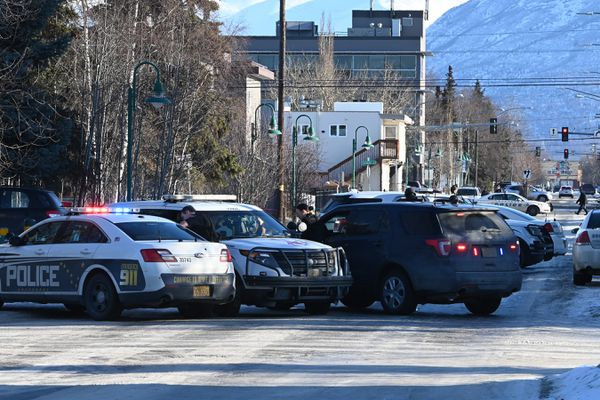 "Anchorage Police responed to a ""disturbance with a weapon"" in the Fairview neighborhood on Monday, Feb. 10, 2020. (Bill Roth / ADN)"